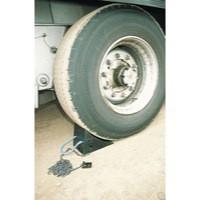 VFM Black Moulded Rubber Wheel Chock