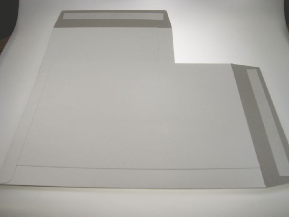 Trent All Board White Envelope 508 x 381mm Boxed Peel & Seal Boxed 50