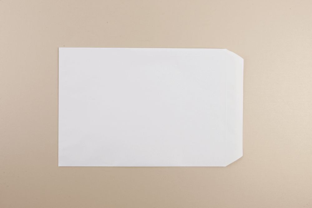 Opportunity White Self Seal Envelope C4 324mmx229mm 100gm Boxed 250
