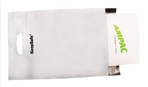 Keepsafe Easy Carry Handle Bags Polythene Recyclable 595x430x80mm Opaque Pack 100
