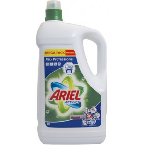 Ariel Biological Liquid Laundry Detergent 65 Washes 4.74 Litres Ref 97685
