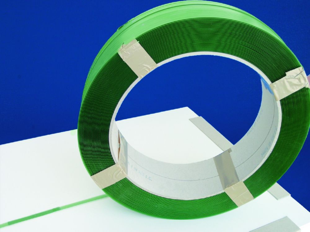 Polyester Green Strap 16-4M100GP 15.5mm x 2000m 0.6mm 401kg Break CardCor