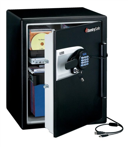 Sentry Fire-Safe Water-Resistant Data Storage Safe USB 56.6 Litre 95.7kg W472xD491xH603mm Ref QA5541