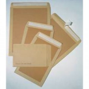 Q-Connect Board-Back Envelope 238x163mm 115gsm Manilla Peel and Seal Pack of 125 KF3518