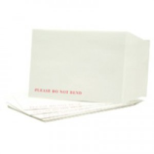 Q-Connect Board-Back Envelope C4 120gsm White Peel and Seal Pack of 125 KF3525